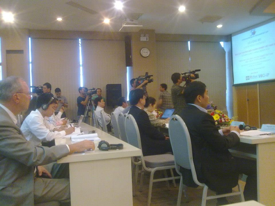Hội nghị báo cáo thường niên Doanh nghiệp Việt Nam 2012