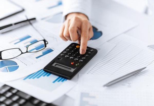 Sử dụng chính sách thuế trong thị trường độc quyền